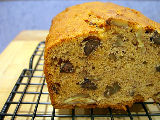 Pecan Chocolate Chip Banana Bread