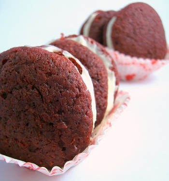 Red Velvet Cake Whoopie Pies with Cream Cheese Filling