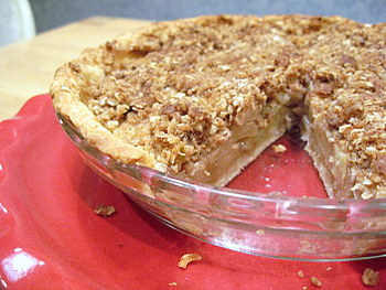 apple crumble pie, sliced