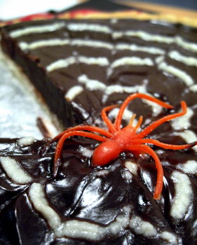 Spiderweb Tart, spider closeup