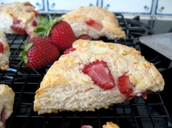 Strawberry Goat Cheese Scones