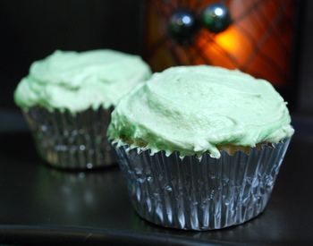 cupcakes, looking innocuous and not slime-filled