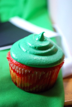 Holiday Cupcake!