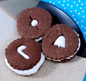 Mexican Hot Chocolate Linzer Cookies | Baking Bites
