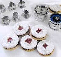 Linzer cookie cutters
