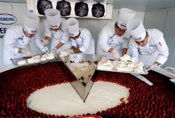 World's Biggest Cheesecake