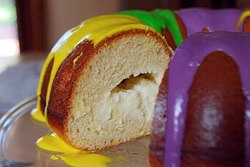 King Cake, cream cheese filling