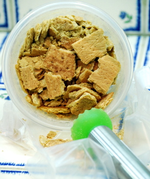 How to make graham cracker crumbs