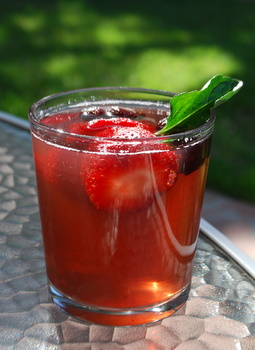 Iced tea with frozen fruit