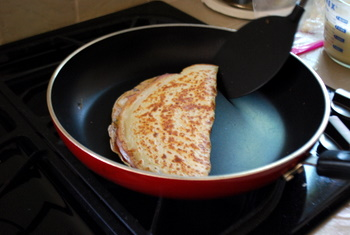 Folding the almost-finished crepe