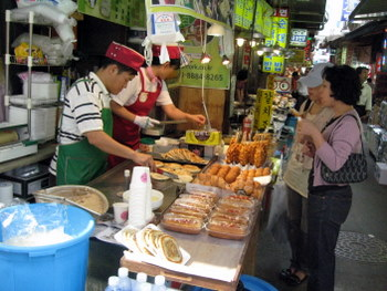 Fried Hotteok makers