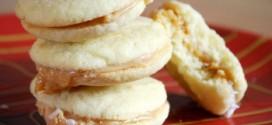 Alfajores (Dulce de Leche Cookies)