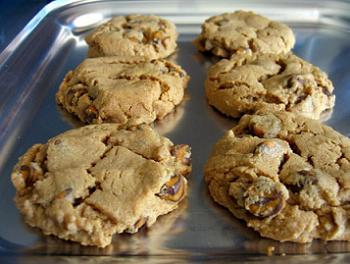 Freshly baked cookies on a baking sheet
