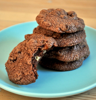 Pomegranate, Chocolate and Pecan Brownie Cookies