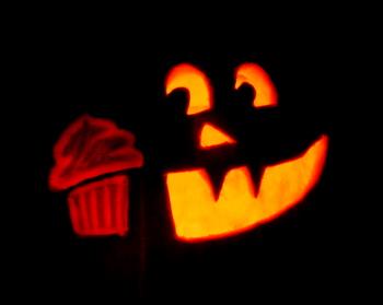 Jack o' Lantern With Cupcake