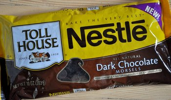 chocolate chip for a chocolate chip cookie is semisweet chocolate    Nestle Dark Chocolate Chips