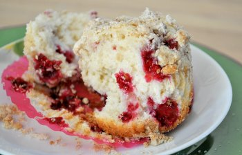 Raspberry Streusel Muffin, interior
