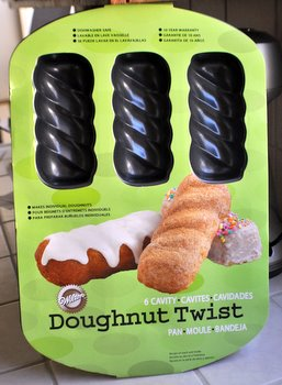 Wilton Doughnut Twist Pan