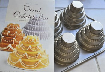 What Is Confectioners Sugar Baking Bites - Mini Wedding Cake Mold
