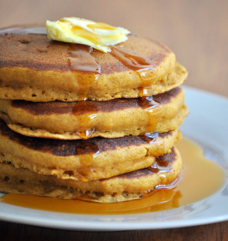 Thick and Fluffy Pumpkin Pancakes