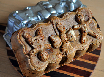 NordicWare Gingerbread Loaf Pan, reviewed