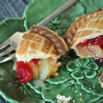Individual Cranberry Apple Pie, sliced