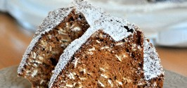 Applesauce Oatmeal Bundt Cake