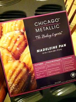 Chicago Metallic Madeline Pan