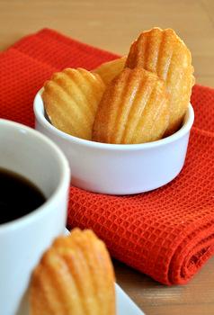 Vanilla Madeleines | Baking Bites
