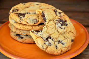 Cornmeal Chocolate Chip Cookies | Baking Bites