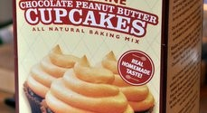 Peanut Butter & Co. Mighty Fine Chocolate Peanut Butter Cupcakes Baking Mix, reviewed