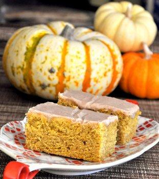 Pumpkin Bars with Spice Glaze