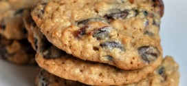 Whole Wheat Dark Chocolate Chip Oatmeal Cookies with Dried Cranberries