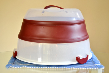 Progressive Int'l Collapsible Cake Carrier, expanded