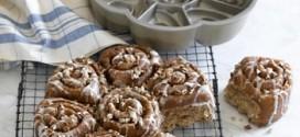 Cinnamon Bun Pull-Apart Cake Pan