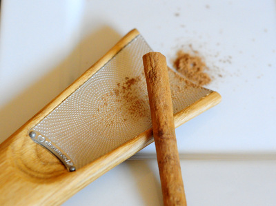 Cinnamon Hill Grater with Cinnamon