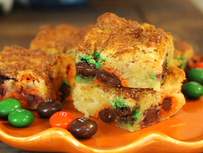 Halloween Snickerdoodle Blondies