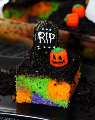 Zombie Graveyard Cake, for Walking Dead viewing parties!