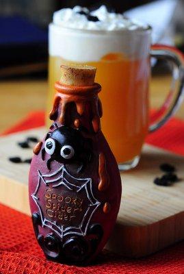 Spooky Spider Cider Bottle