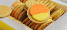 Limited Edition Candy Corn Oreos, reviewed