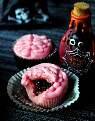 Bloody Brain Cupcakes, innards