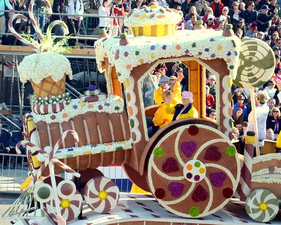 Foodie Floats at the 2014 Rose Parade