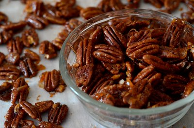 Sweet and Spicy Orange Glazed Pecans