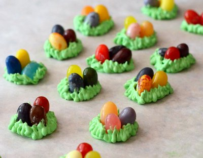 Make Your Own Easter Egg Cupcake Toppers