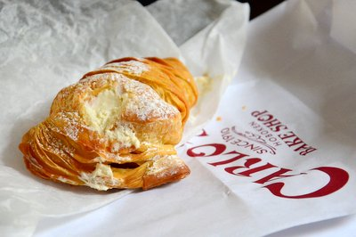 Carlo's Bakery Sfogliatelle