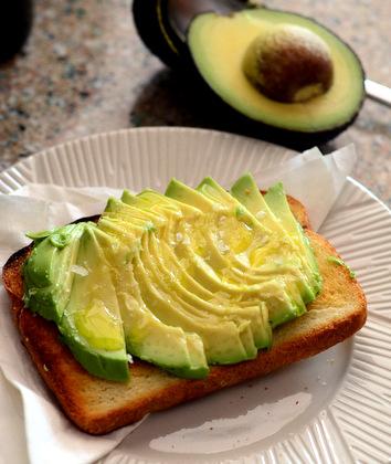Avocado Toast with Olive Oil and Sea Salt - Baking Bites
