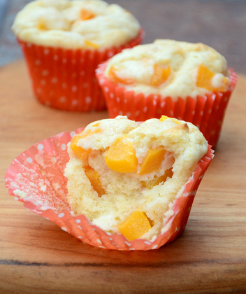 Peaches n' Cream Muffins, packed with peaches!