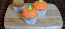 Wilton Mini Pumpkin Cupcake Pan, reviewed