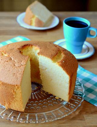 Very Vanilla Chiffon Cake - Baking Bites