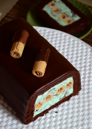 Chocolate Mint Chip Cookie Ice Cream Cake